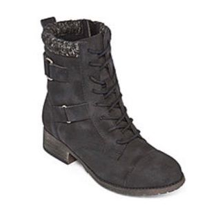 Shoes - Black lace up combat style boots